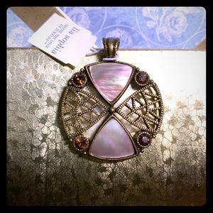 Lia Sophia mother of pearl pendant 🌊